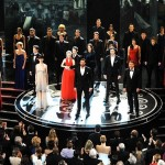 O elenco de Os Miseráveis se apresentou na premiação