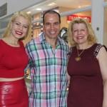 Aline Oliveira com seus pais, Osmar e Penha Cardoso