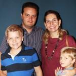Renato e Daniella Oldra com os filhos Leonardo e Eduardo Oldra