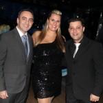 Gil Fuentes com Donovan Navarro e sua esposa