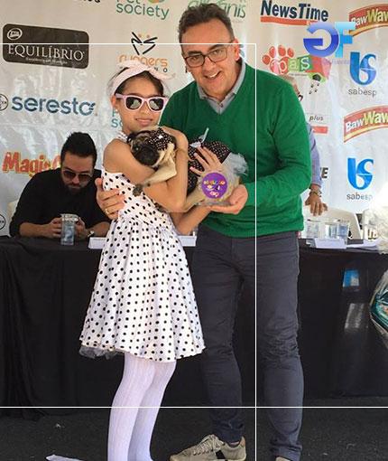 4-Melhor-Fantasia-Cão-e-Dono-3º-lugar-Helô-Sophia-Vieira-Santos-e-Gil-Fuentes-ok